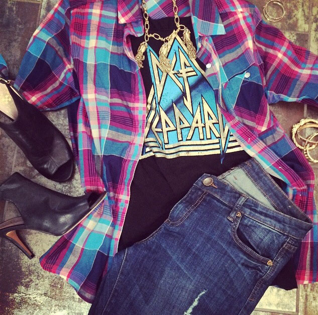 grab any rocker tee, plaid shirt, cute heals and layered gold jewelry